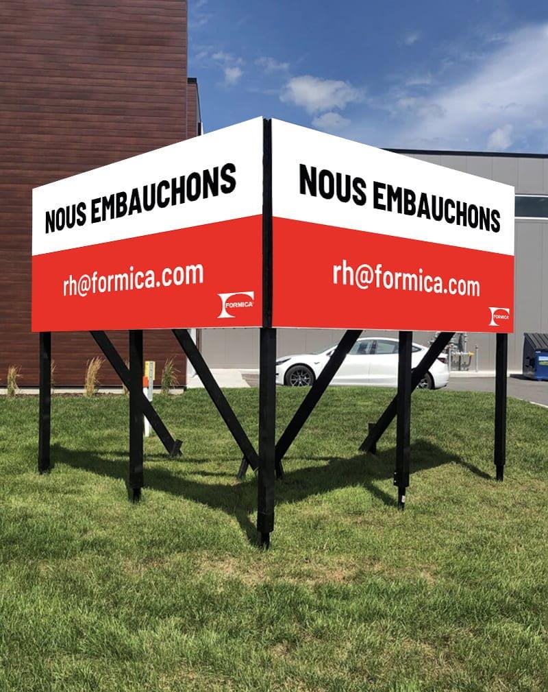 Campagne de recrutement - Formica - affichage extérieur
